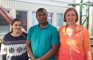 Reiser til Sør-Afrika. F.v. Sarah Agapito Tenfen, Arinze Okoli og Anne I. Myhr. I tillegg reiser Odd-Gunnar Wikmark.